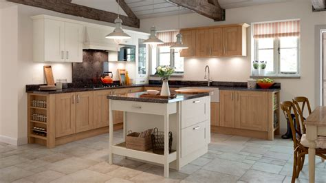 Town & Country Kitchens Supplier  Lincoln Natural Oak
