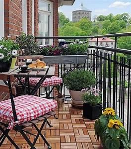 Balkonmöbel Für Kleinen Balkon : balkongestaltung 50 fantastische beispiele ~ Markanthonyermac.com Haus und Dekorationen
