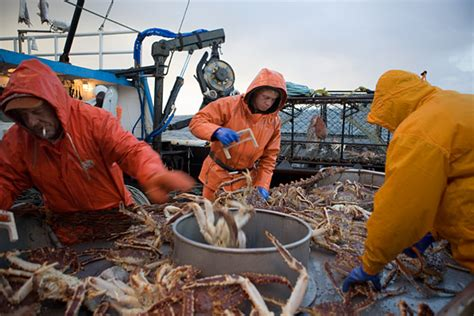 Crab Boat Jobs Salary by How To Be An Alaskan Fisherman