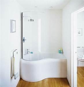 Kleines Bad Dusche : kleine und moderne badezimmer mit badewanne freshouse ~ Markanthonyermac.com Haus und Dekorationen