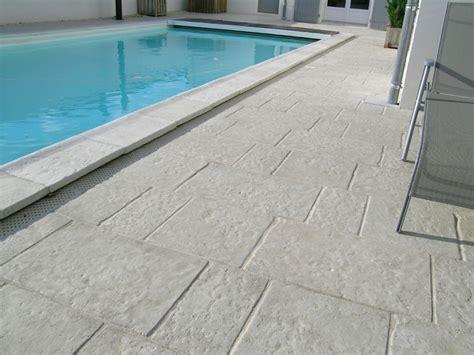 carrelage exterieur et dalle piscine carrelage en ligne faiences concernant carrelage terrasse