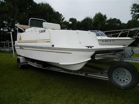 33rd Strike Group Catamaran For Sale by 2005 Beachcat 20 Showcat Edition Power Boat For Sale Www
