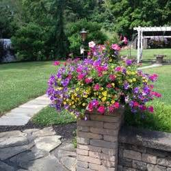 Cottage Gardens Landscaping  Landschaftsbau  4945 E