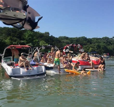 Keep Austin Wet Boat Rentals by Lake Austin Boat Scene Photos