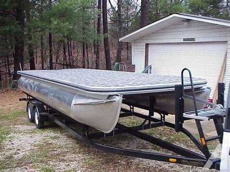 Aluminum Pontoon Tubes For Sale by Best 25 Pontoon Boats For Sale Ideas On Pinterest Used