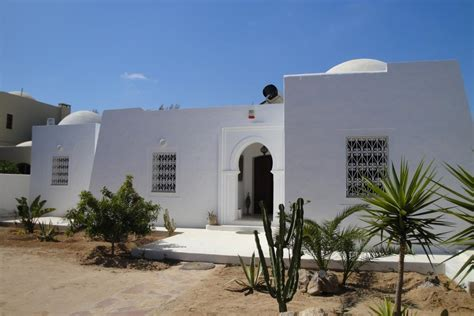 magnifique villa de haut standing avec piscine a vendre djerba tunisie djerba vente maison