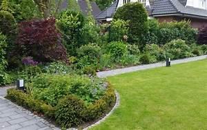 Carport Im Vorgarten : klassischer garten irene alberts landschaftsarchitektin ~ Markanthonyermac.com Haus und Dekorationen