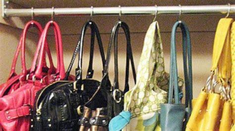 une astuce pour ranger ses sacs quand on manque de place