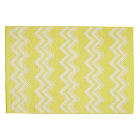tapis d ext 233 rieur en polypropyl 232 ne jaune 160 x230 cm lataia maisons du monde