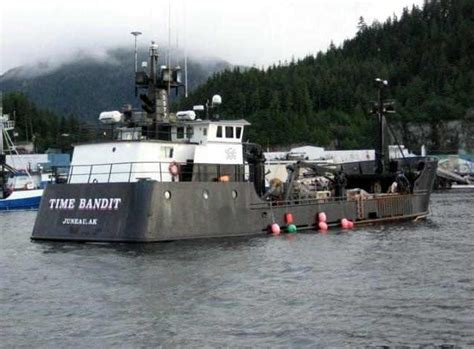 deadliest catch crab boat time bandit rescues crew from sinking boat alaska coast zap2it