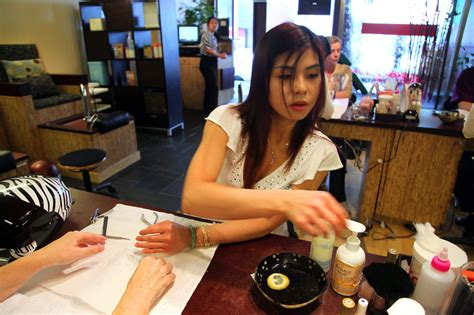 Nail Salons Move To Avoid Using Toxic Chemicals