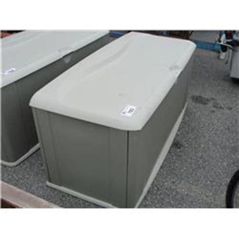 rubbermaid outdoor storage trunk