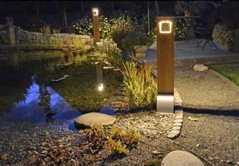 borne solaire puissante bois 204 lumens eclairage solaire puissant objetsolaire