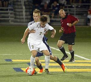 East Grand Rapids soccer team off to strong start in new ...