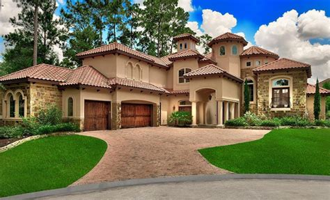 Mediterranean Style Homes : Mediterranean Style Home In The Woodlands, Texas
