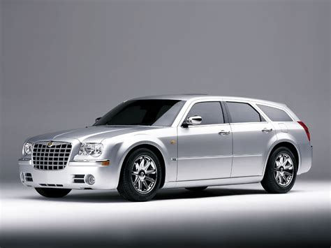 Chrysler 300c Touring Photos