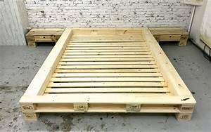 Palettenbett Selber Bauen : palettenm bel futonbett 39 new york 39 ohne kopfteil by sl loftart planetbox ~ Markanthonyermac.com Haus und Dekorationen