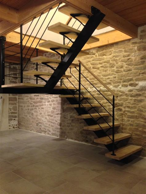 escalier m 233 tallique demi tournant sur limon central architecture et d 233 coration contemporaine