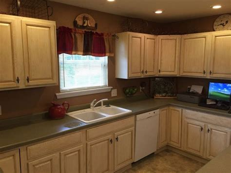 Kitchen Cabinets Makeover With Milk Paint Living Room Recliner Chairs Red Accent For Reading Lamps Tropical Decorating Ideas Rooms Contemporary Luxury Interior Design Leather Swivel Wood Flooring
