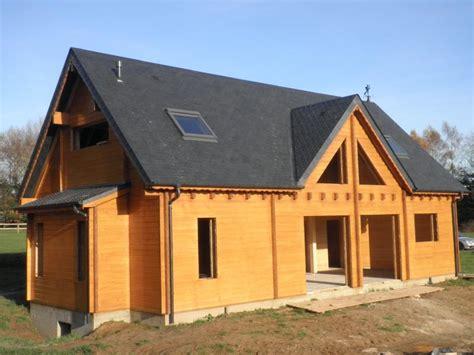 prix des maisons en bois ossature bois rondins maison bois
