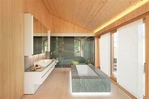 Holzdecke Im Bad : welches material passt in mein bad beton fliesen oder holz ~ Markanthonyermac.com Haus und Dekorationen