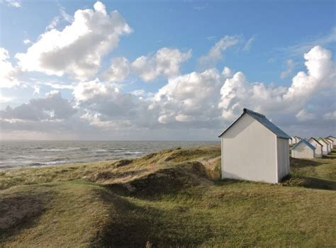 top 25 best cabine de plage ideas on cabane de plage d 233 cor de la cabane de plage