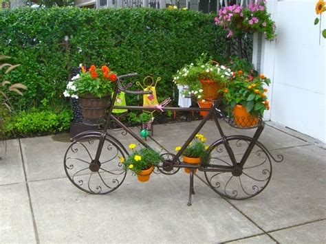 Upcycling Bikes In The Garden  14 Ideas For Bicycle Planters