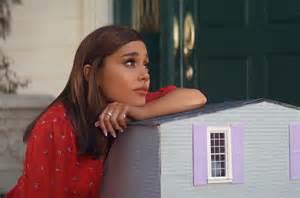 Jennifer Garner Reacts To Ariana Grande's 'thank U, Next