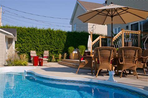 prolongez vos vacances avec une piscine creus 233 e parfaitement int 233 gr 233 e dans un bel am 233 nagement