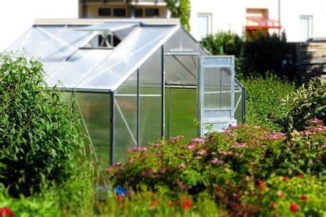 installer une serre dans jardin