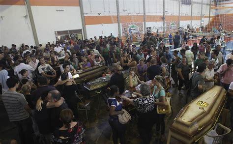 Boate Quatro Por Quatro No Rio De Janeiro by Justi 231 A Manda Soltar Os Quatro R 233 Us Presos Pelo Inc 234 Ndio
