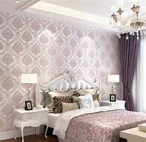 Lila Im Schlafzimmer : lila tapete 48 interessante ideen ~ Markanthonyermac.com Haus und Dekorationen