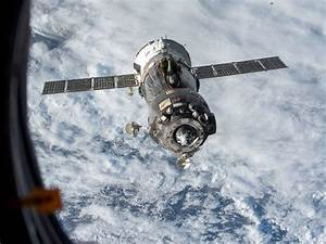 Astronaut Scott Kelly to Hitch Wild Ride Back to Earth on ...