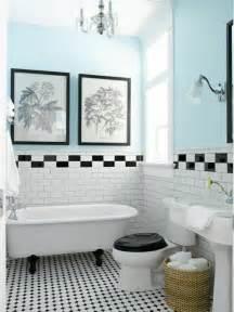 le th 232 me du jour est la salle de bain r 233 tro couleur bleu ciel carrelage blanc et salle de