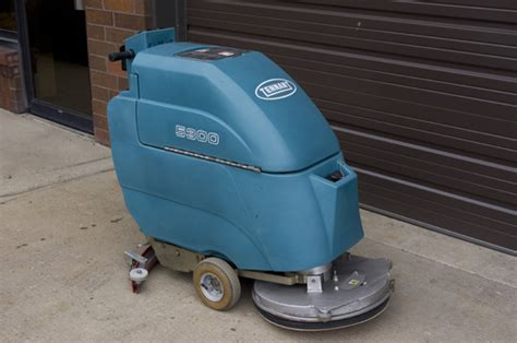 quality building solutions tennant 5300 walk floor scrubber