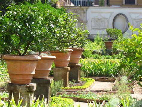 agrumes en pots un jardin 224 l italienne