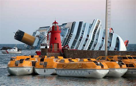 Schip Concordia by Costa Concordia Disaster Wikipedia