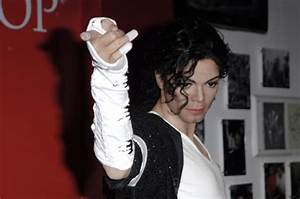 Madame Tussauds London Unveils 13th Michael Jackson ...