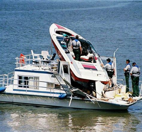 Wake Boat Crash by Boating Accident Danno Law Firm