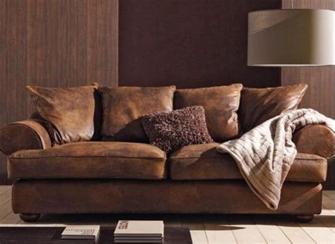ce canap 233 imite 224 la perfection le cuir lui donnant un aspect confortable et chaleureux