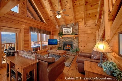 pigeon forge cabin tennessee livin 4 bedroom sleeps 12 swimming pool access