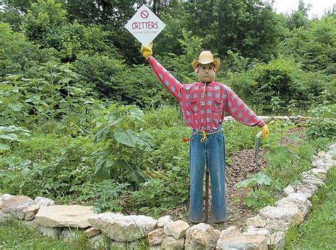 Wind Powered Diy Scarecrow Farm And Garden Grit Magazine