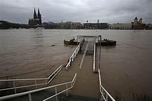 Hamburg Nach Koblenz : hochwasser in deutschland unwetter stoppt schifffahrt am rhein web de ~ Markanthonyermac.com Haus und Dekorationen